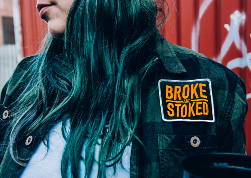 Extasiés par la nouvelle collection trash de Broke and Stoked
