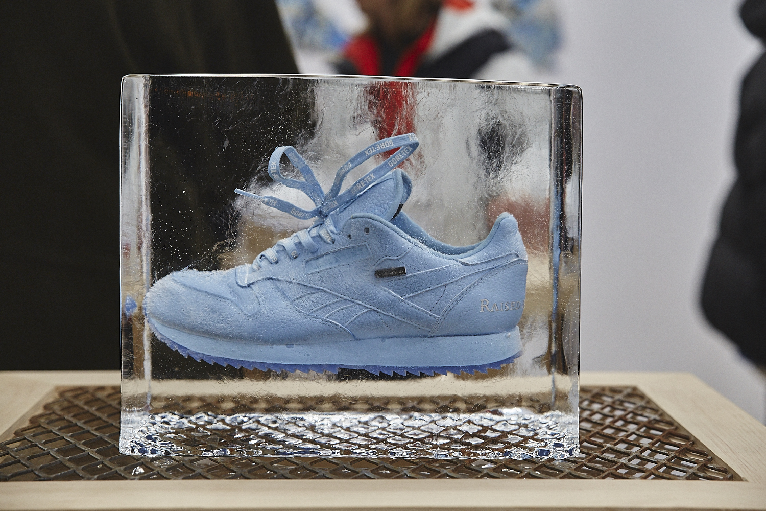 Raised by Wolves a congelé des Reebok Gore-Tex à la galerie The Letter Bet