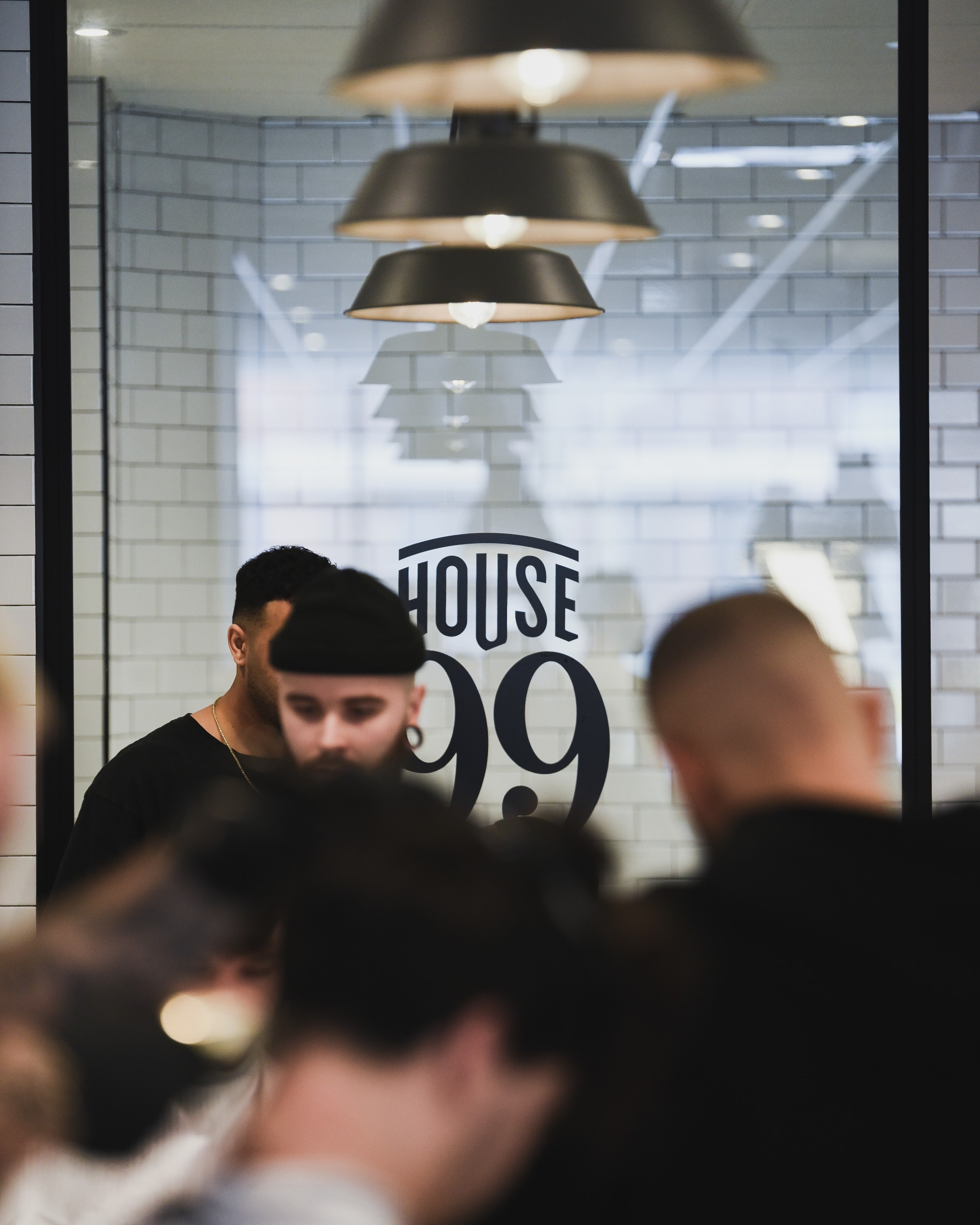 Jeremy Wilde ouvre le barbershop 'Wilde Cutting Club' avec House 99